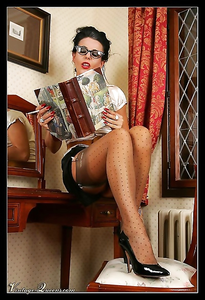 Vintage queen in stockings -..
