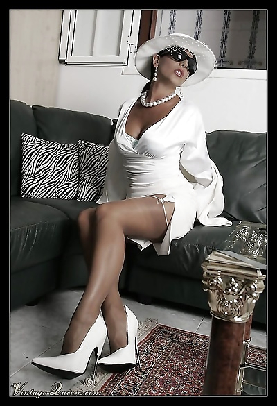 Glamour vintage queen eve..