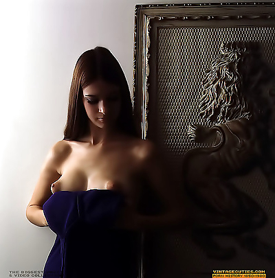 Natural very beautiful naked women in the erotic photos - part 922