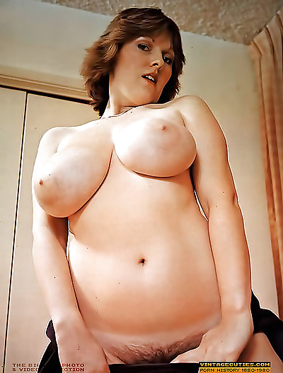 Very big bust owners naked in vintage gallery - part 901