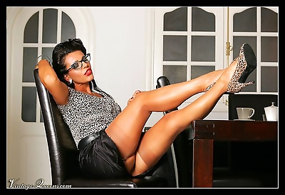 Busty vintage secretary with long legs and big tits - part 1581